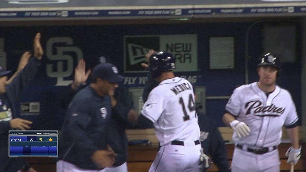 Cabrera going opposite way to heat up bat