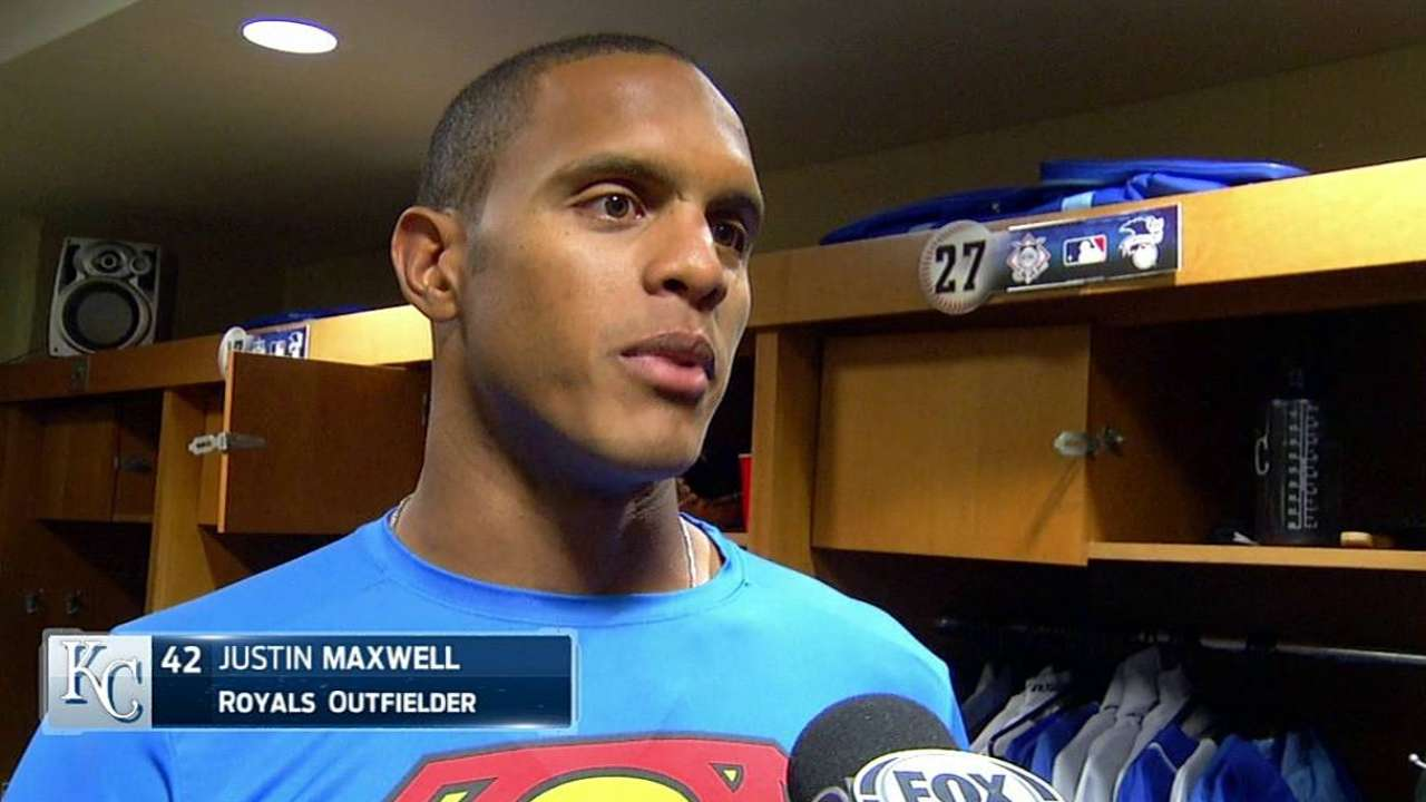 Maxwell starts with Royals light in outfield