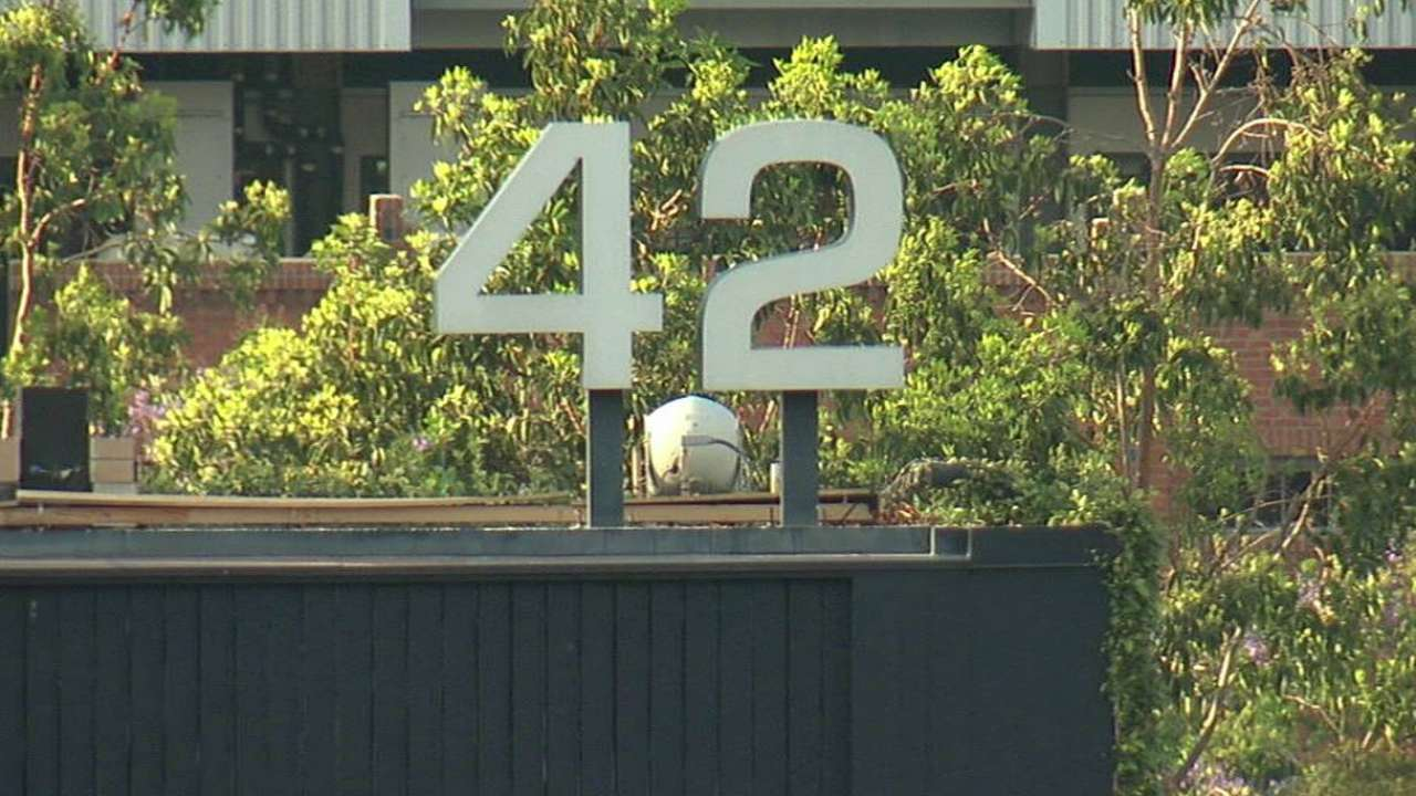Padres honored for chance to wear No. 42