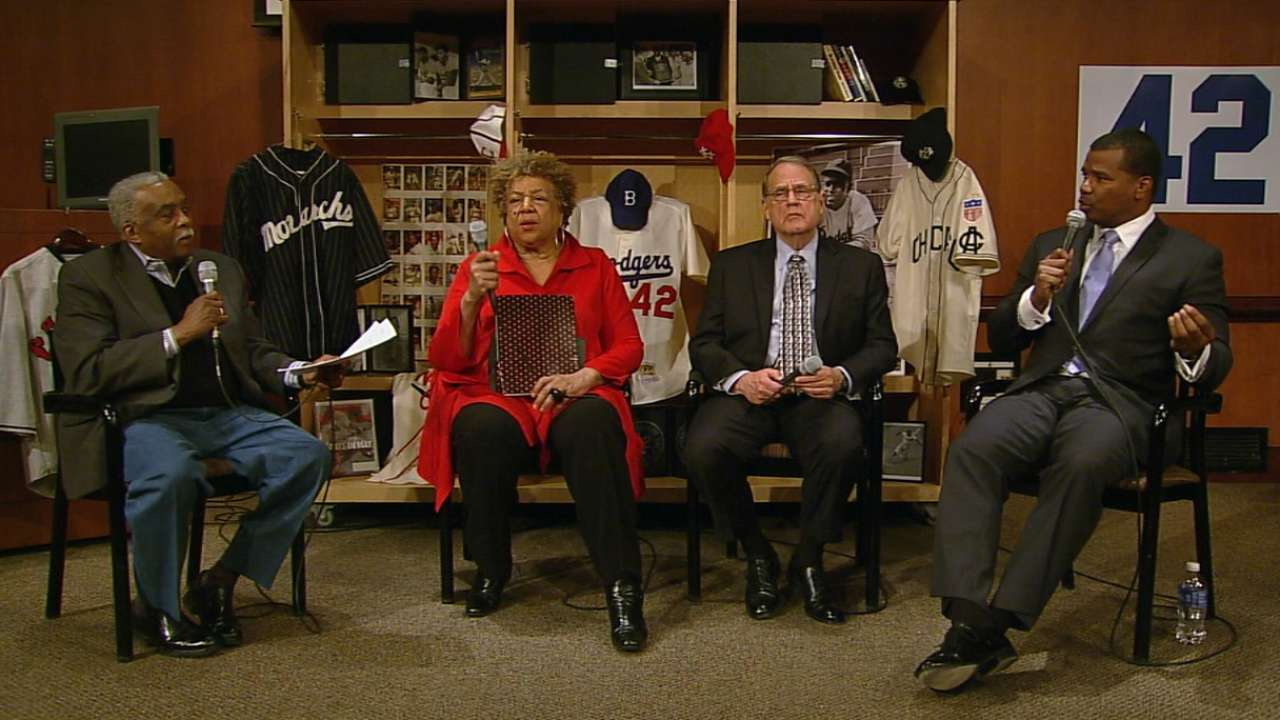 Reinsdorf extols Jackie's influence in game
