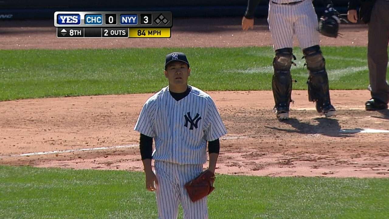 Tanaka's 10 K's lead Yanks in twin-bill opener