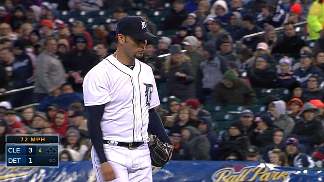 Anibal recovers, but Tigers' bats remain cold