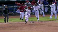 Martin's two-out hit gives Rangers a walk-off win