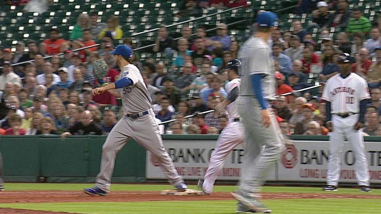 Yost challenges, gets call overturned vs. Astros