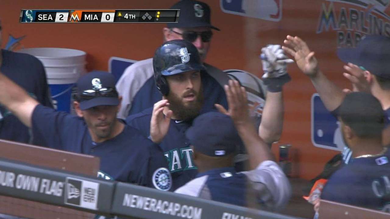 Mariners slide Ackley back to No. 8 spot