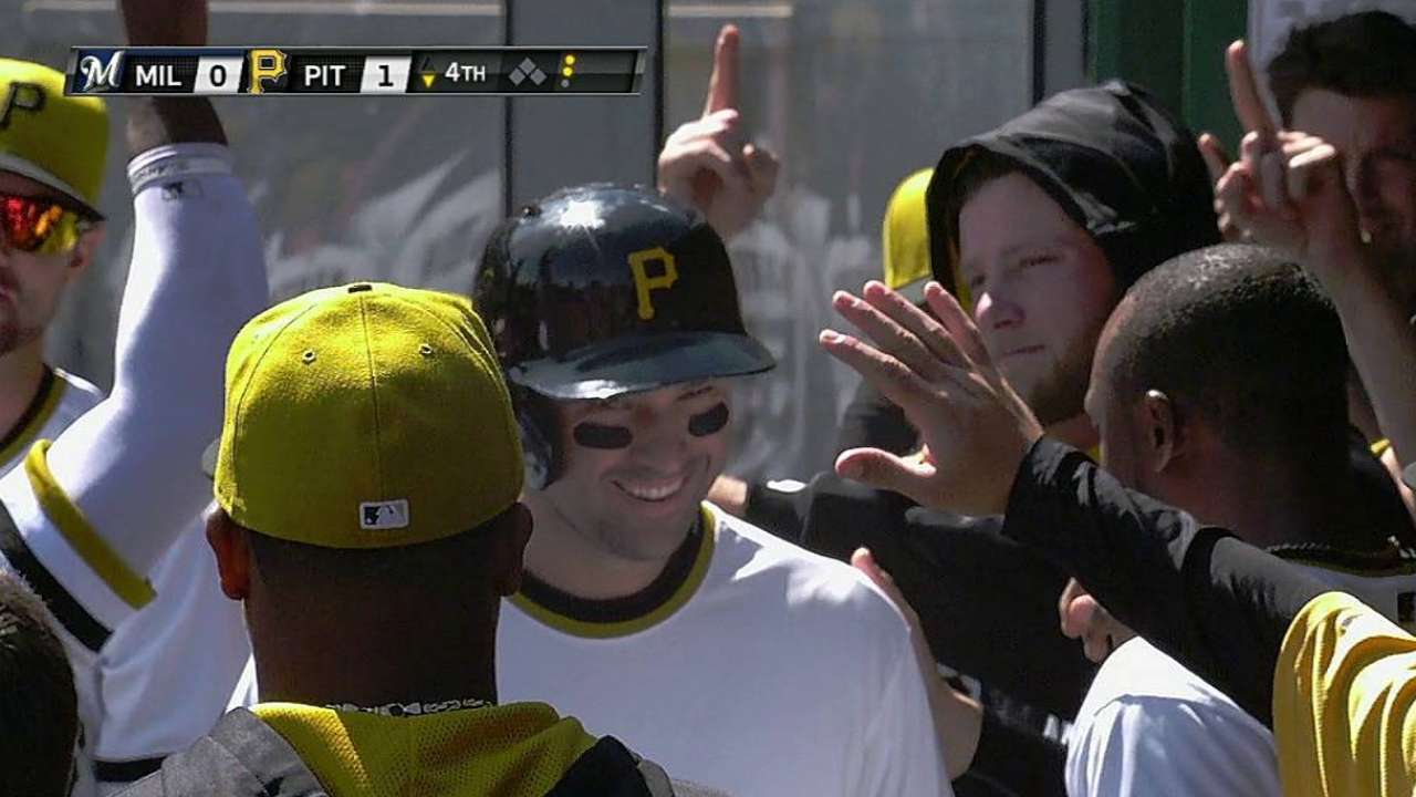 Pirates fall in 14 innings due to Brewers' late blasts