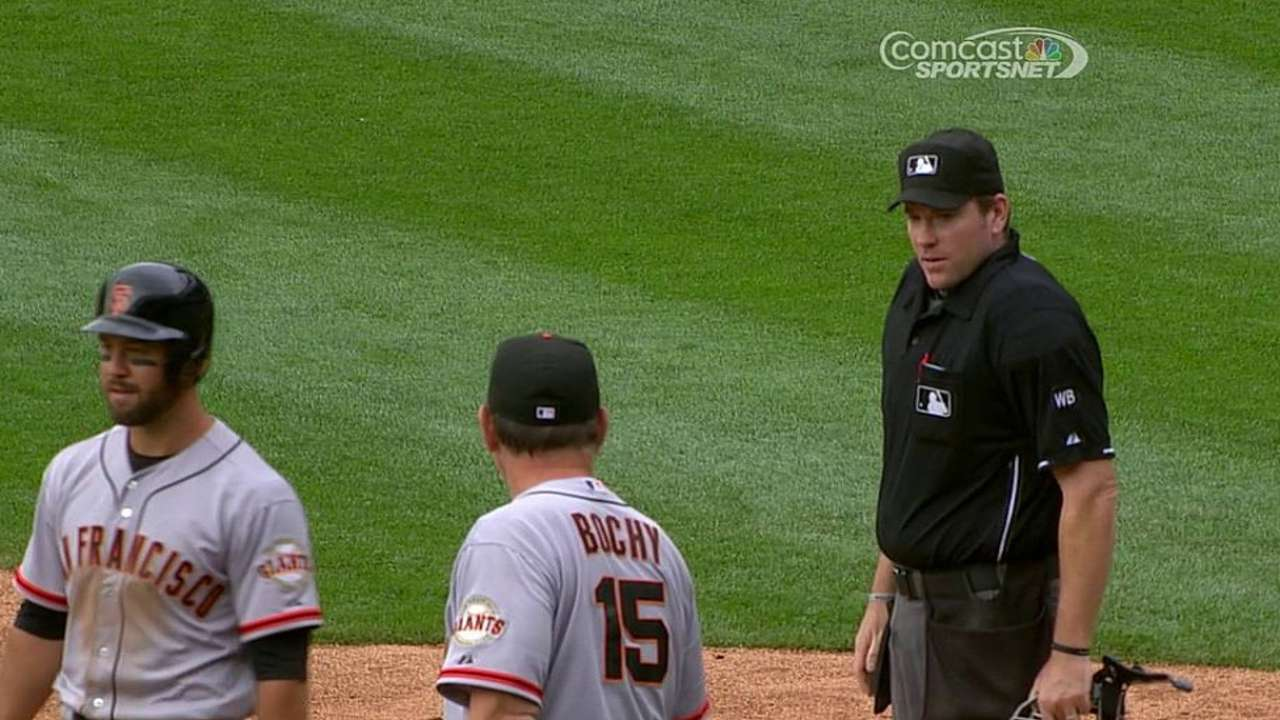Bochy gets tossed for arguing strike-three call