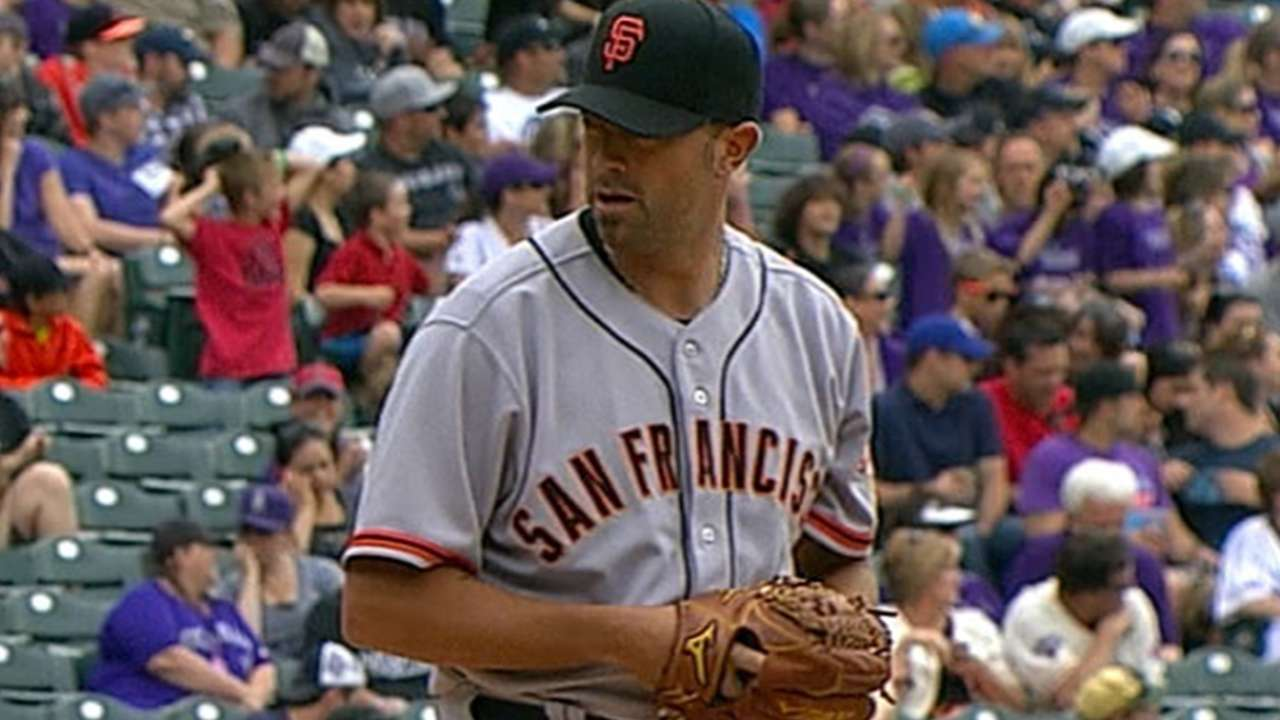 Pain-free Affeldt providing solid relief for Giants