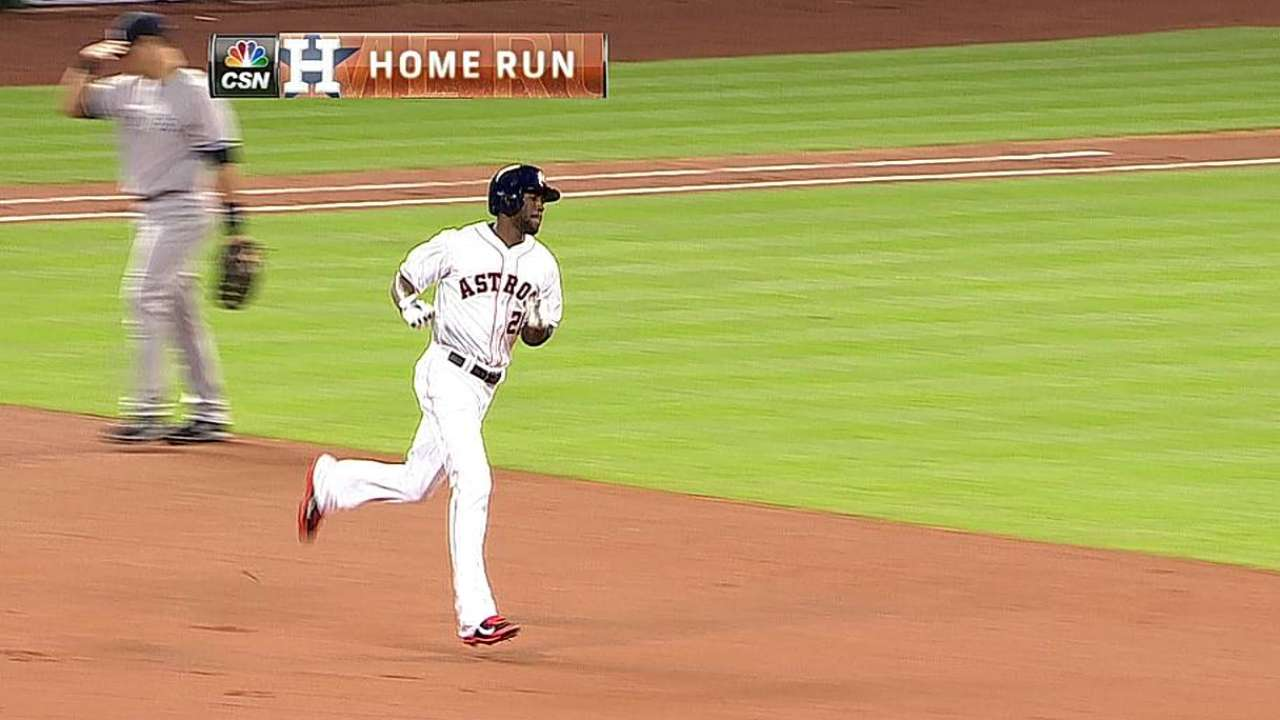 Fowler's feats, Cosart's arm have Astros 2-0