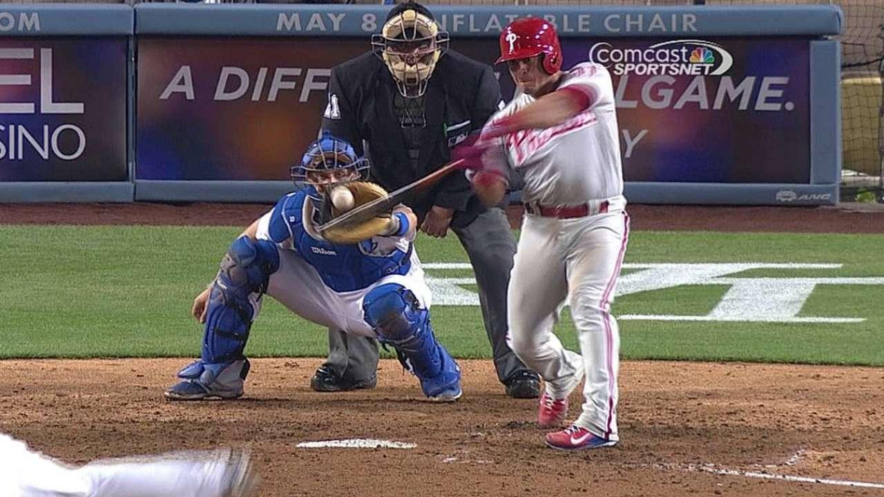 Lee, Ruiz brillaron en blanqueada contra Dodgers