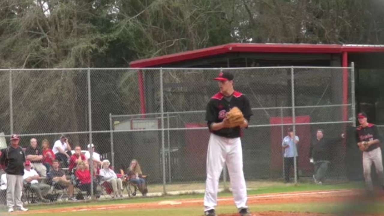 Prep lefty Sands goes to Cubs in Round 4