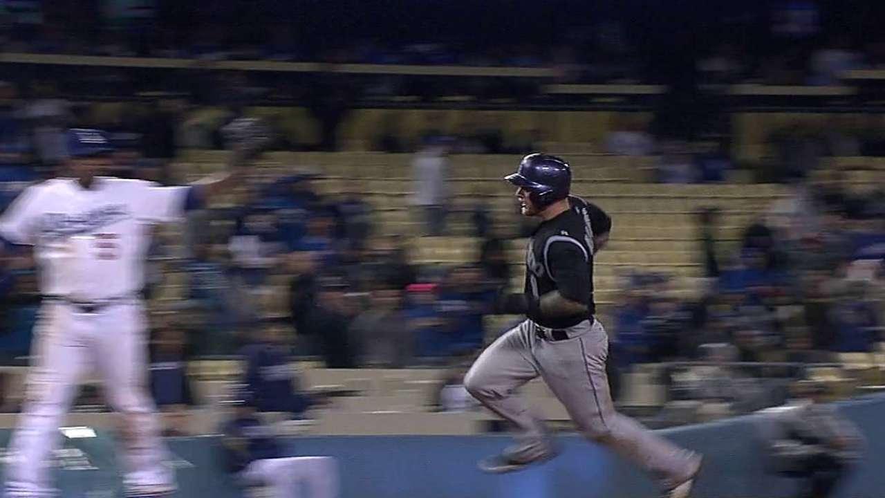 Dodgers caen ante los Rockies en 11 entradas