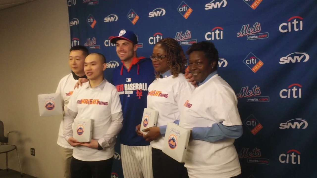 Wright honors police officers, EMTs at Citi Field
