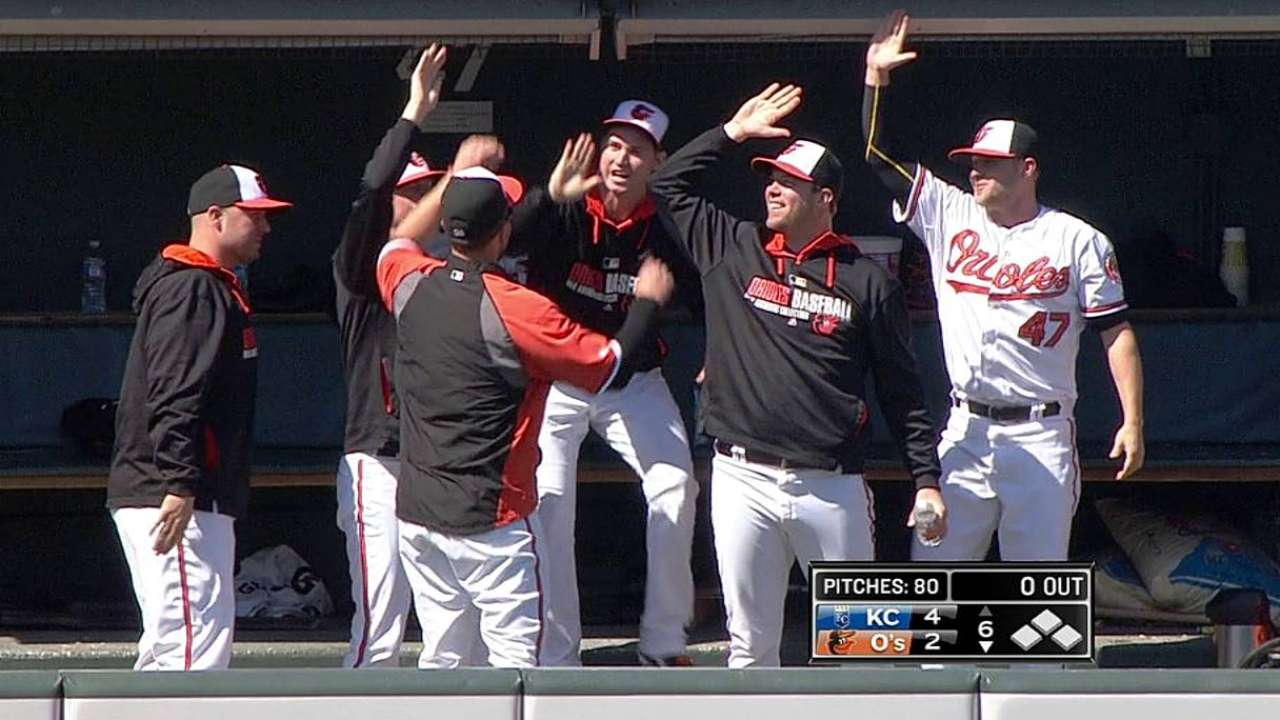 Gonzalez, O's slowed in rubber-game defeat
