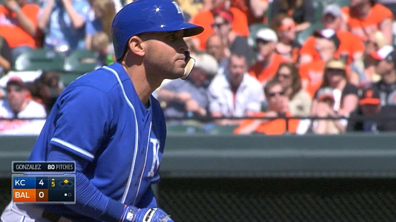 Infante crowns O's with six RBIs in series win