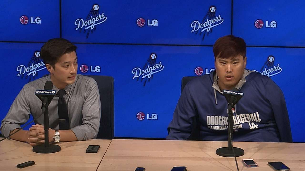 Ryu returns to LA to be examined by team surgeon