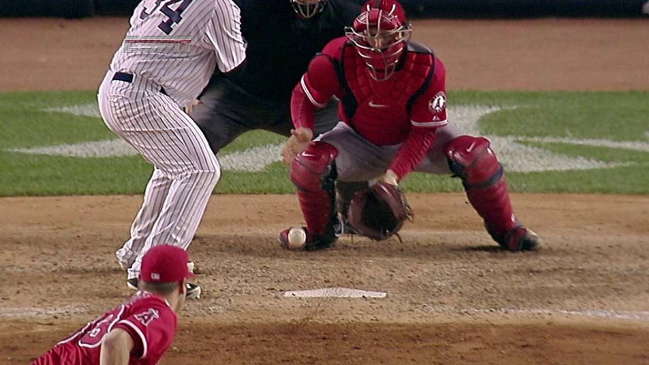 Wild pitch ayudó a Yankees a superar a Angelinos