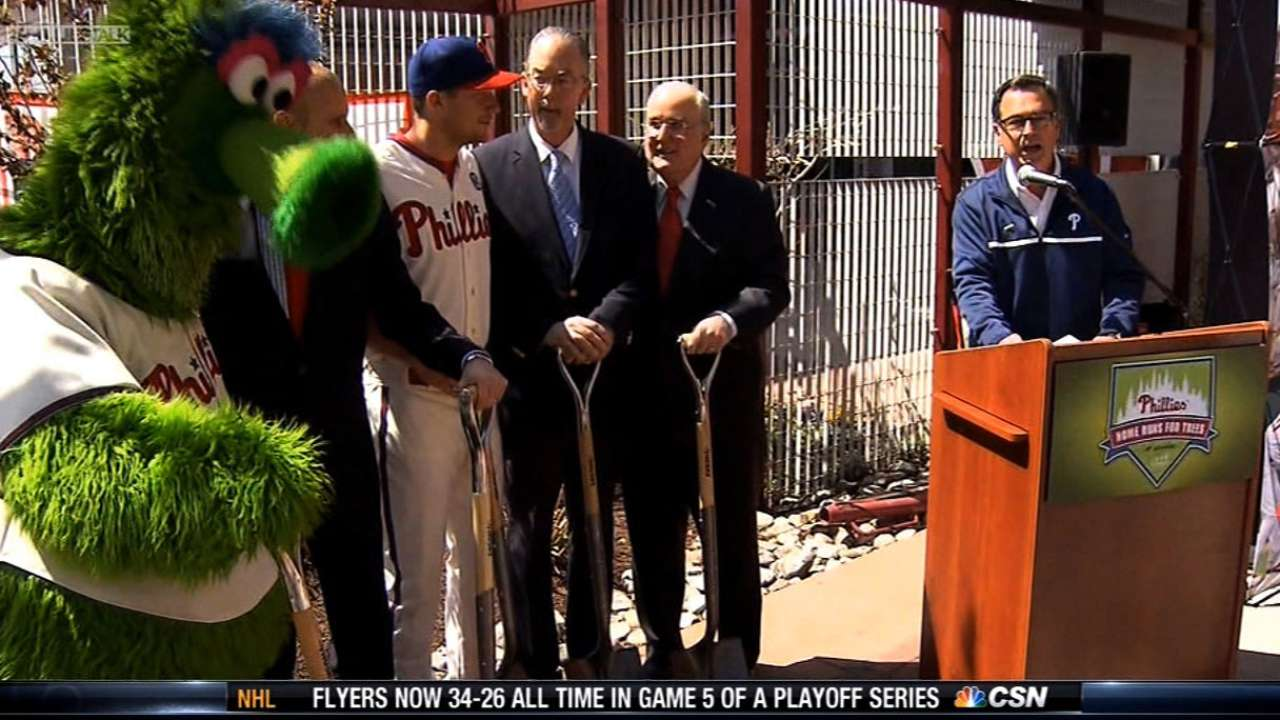 Phillies spend day at FDR Park