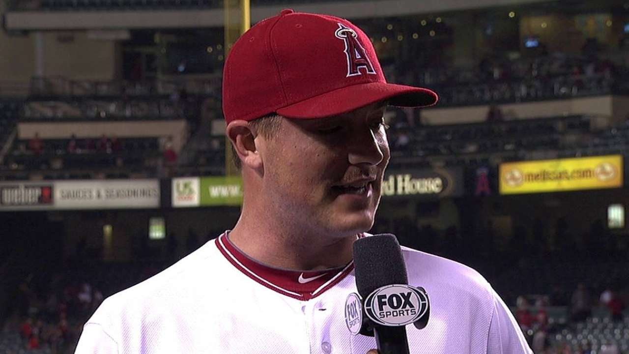 Angels rally late to take opener from Indians