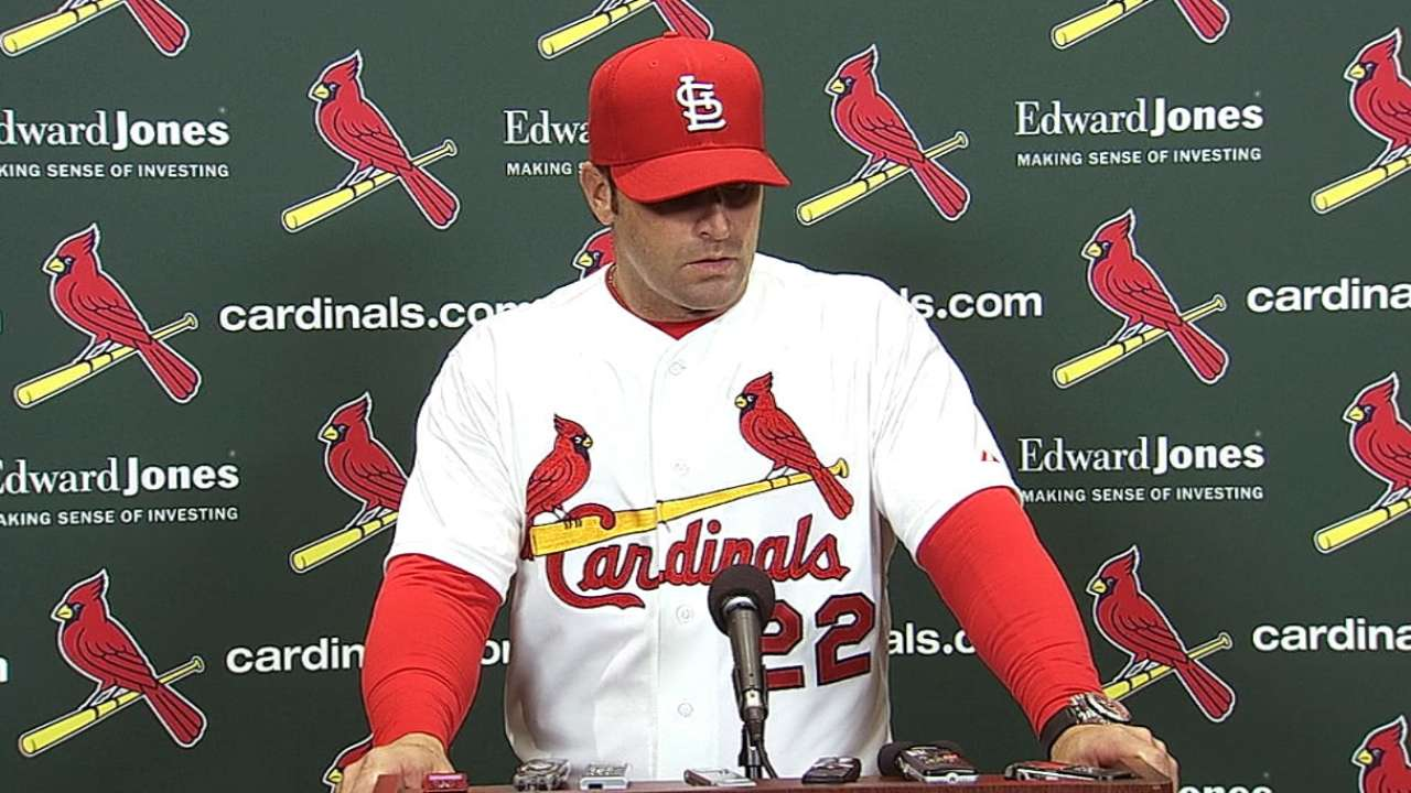 Cards drop battle of bullpens to Brewers in 11th