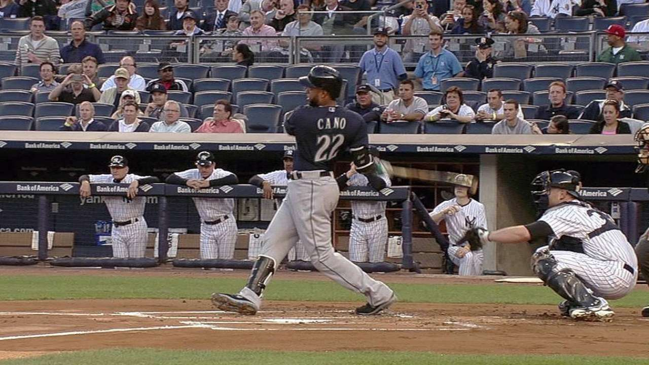 Cano enjoys first trip back to Bronx as visitor