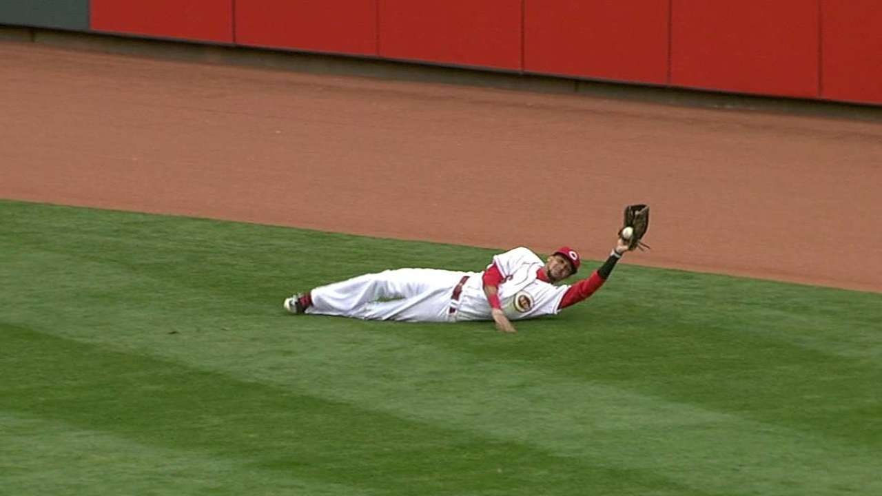 Hamilton injures glove hand on superb catch