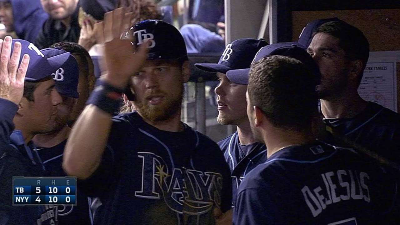 Rays anotan 5 en la 14ma para vencer a Yankees