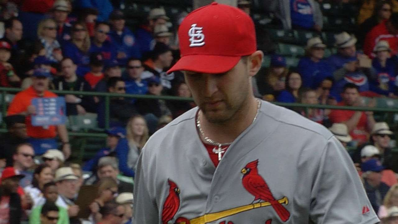 Cards' bats unable to back Wacha's solid outing