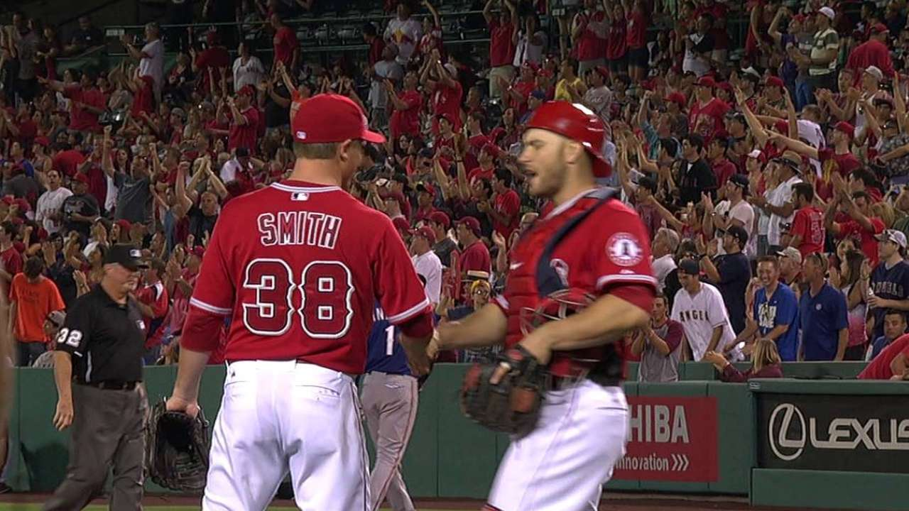 Halos reliever Smith sidelined by tightness