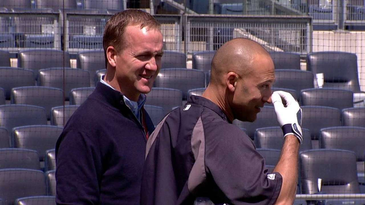 Manning brothers guests of Jeter for series finale
