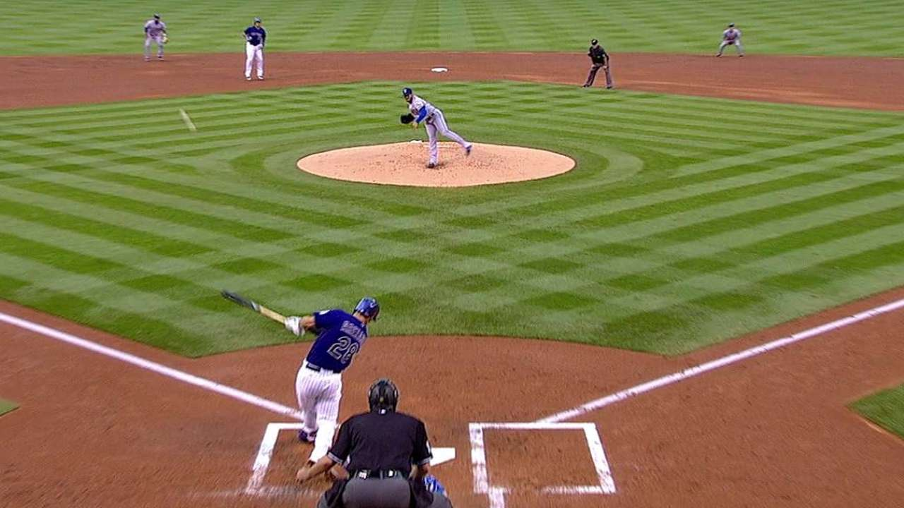 Arenado goes deep to extend hit streak to 25