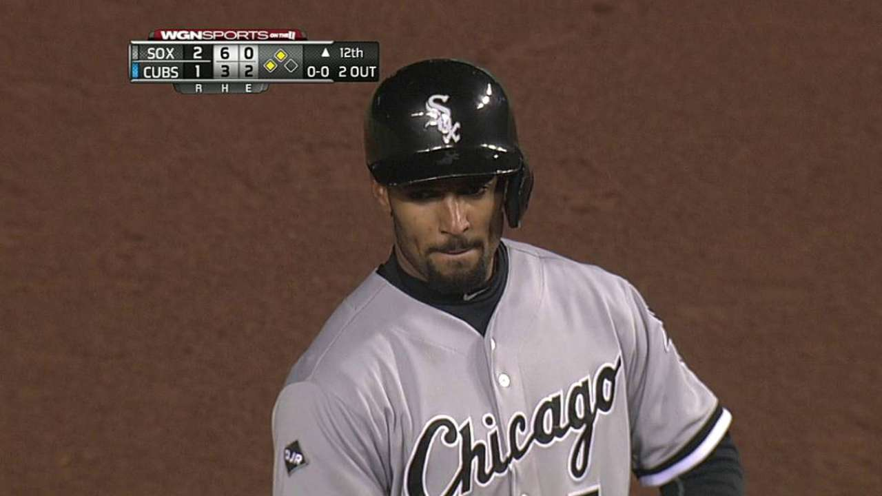 White Sox reaccionan en la 12da y superan a Cubs