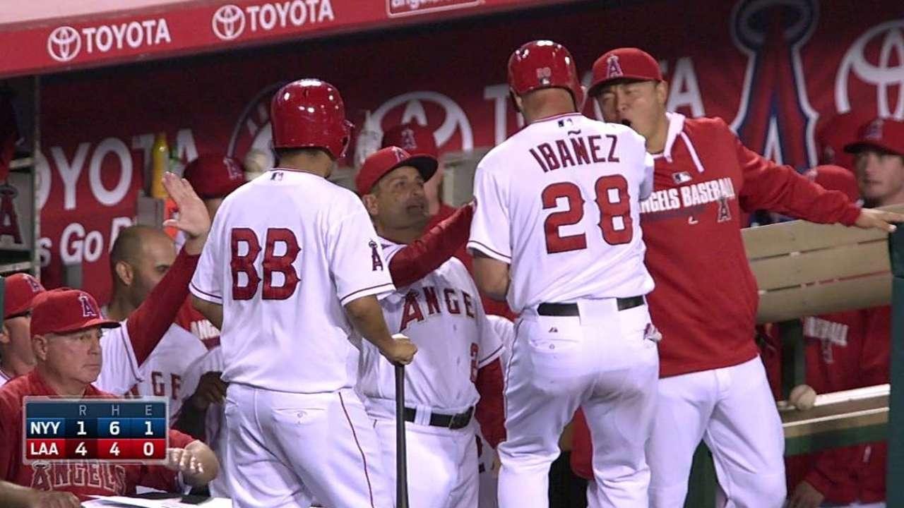 Weaver ayudó a los Angelinos a superar a Yankees