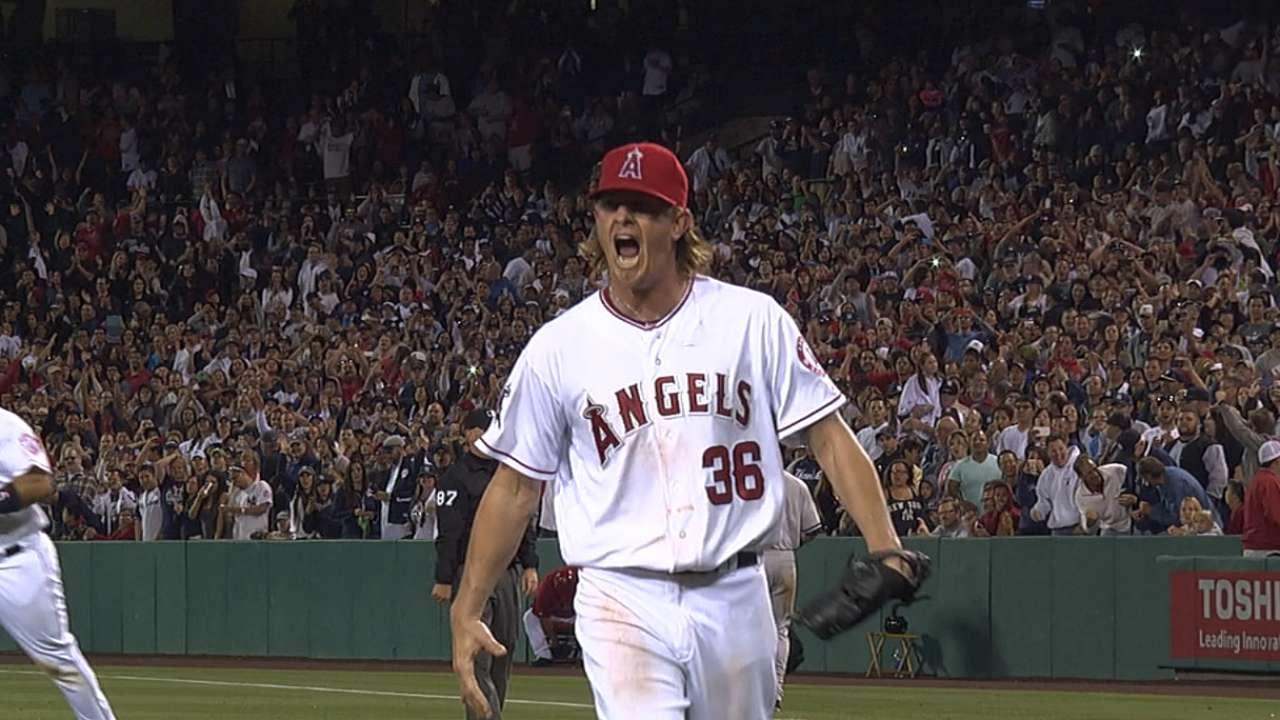 Scioscia: Weaver again pitching like ace