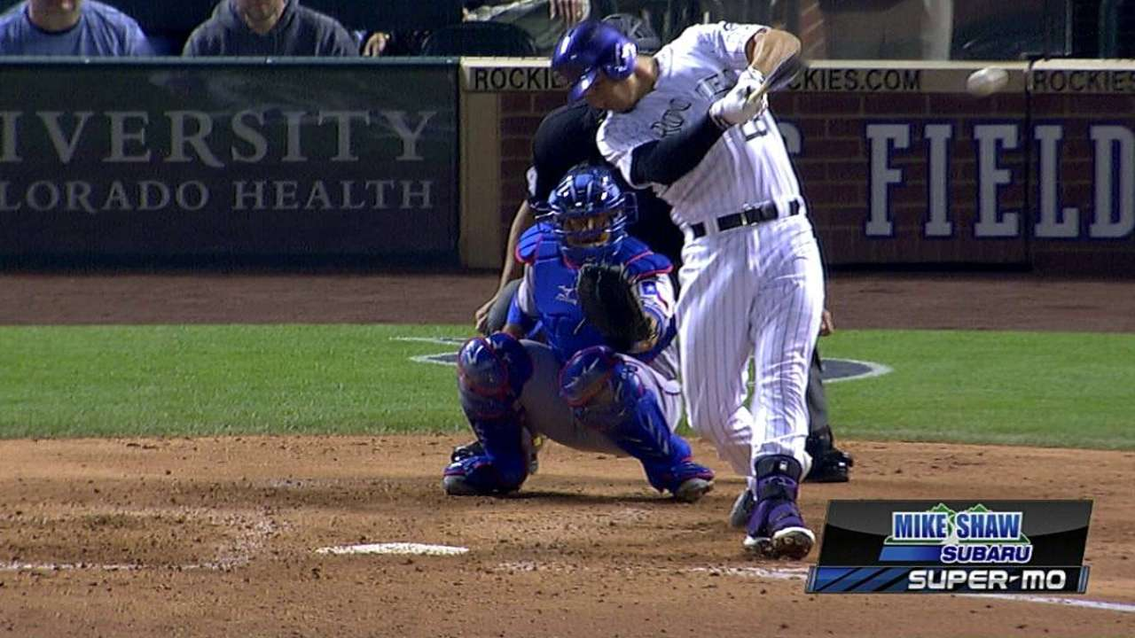 Dramatic double runs Arenado's hitting streak to 26