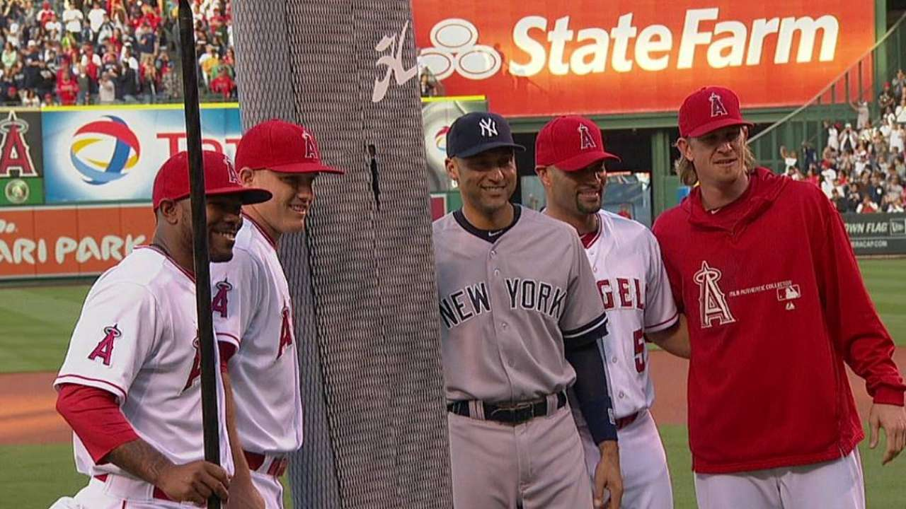 Halos send Jeter off with pinstriped paddleboard