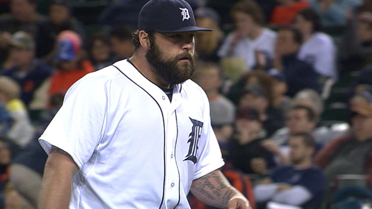Joba enjoys hearing Fenway faithful's remarks