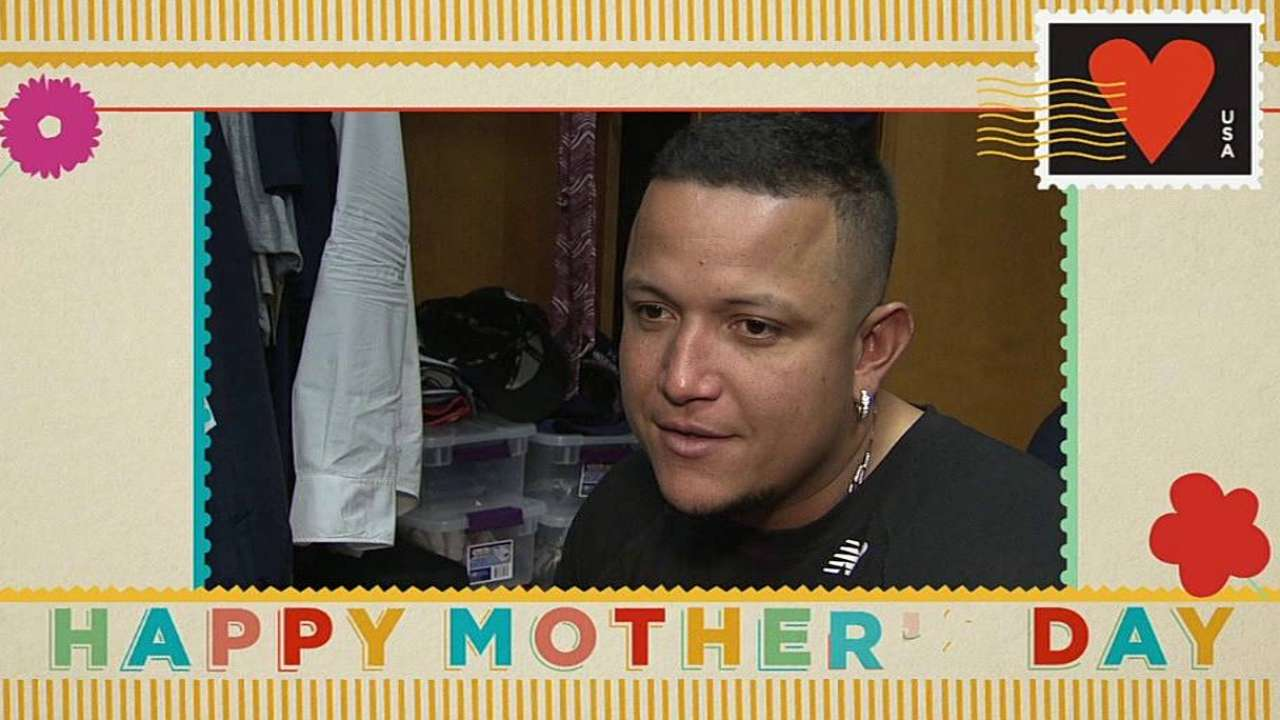 Tigers celebrate Mother's Day with pink bats, gear