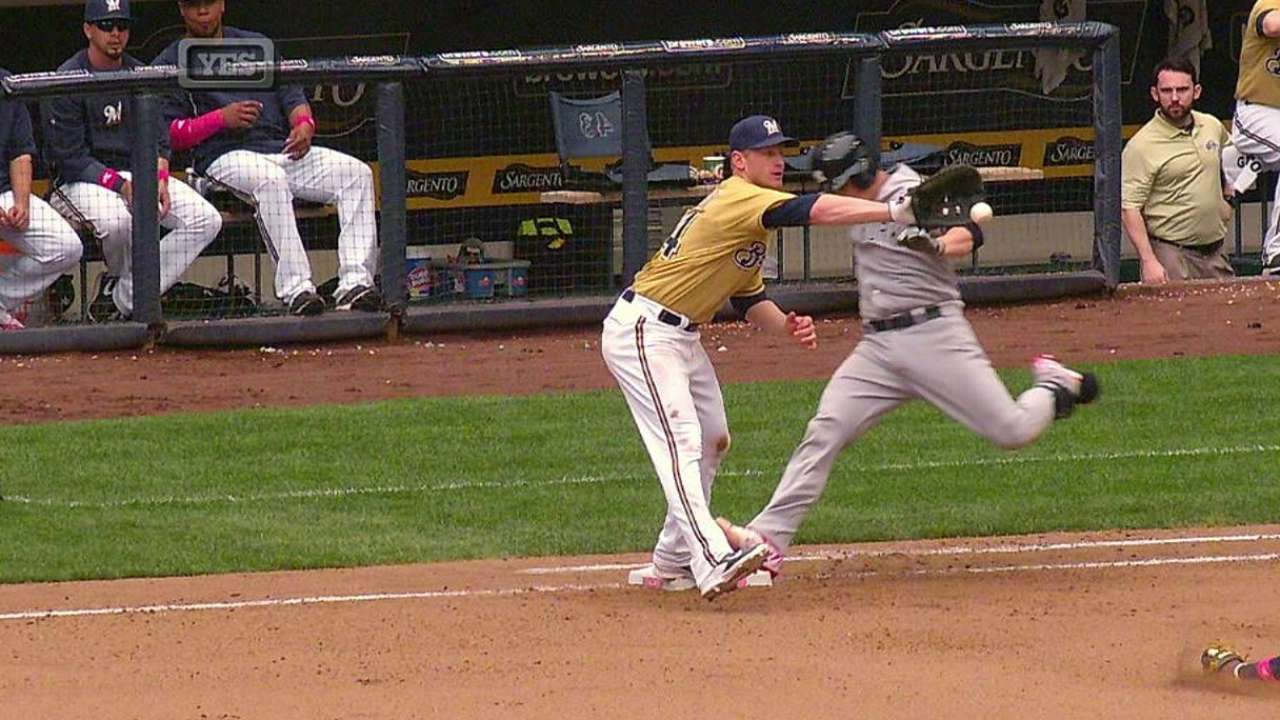 Murphy safe at first after Yankees challenge