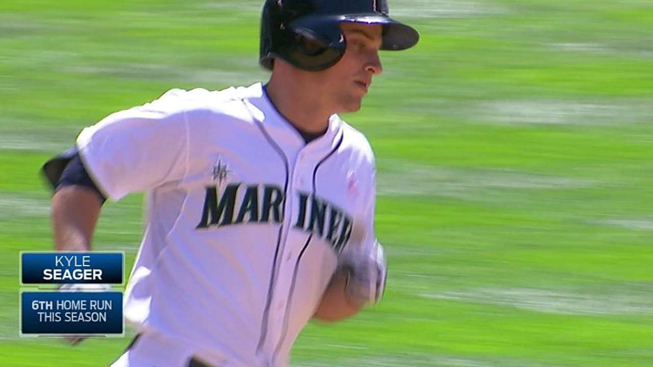 Seager thriving on Safeco Field home cooking