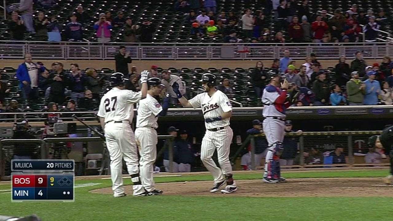 Correia unable to contain Ortiz, Red Sox offense