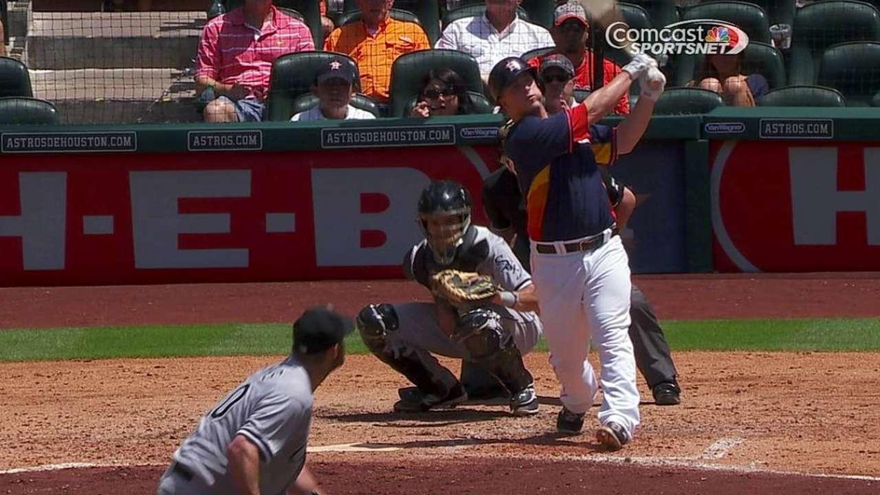 Astros superan a White Sox con poder de Domínguez