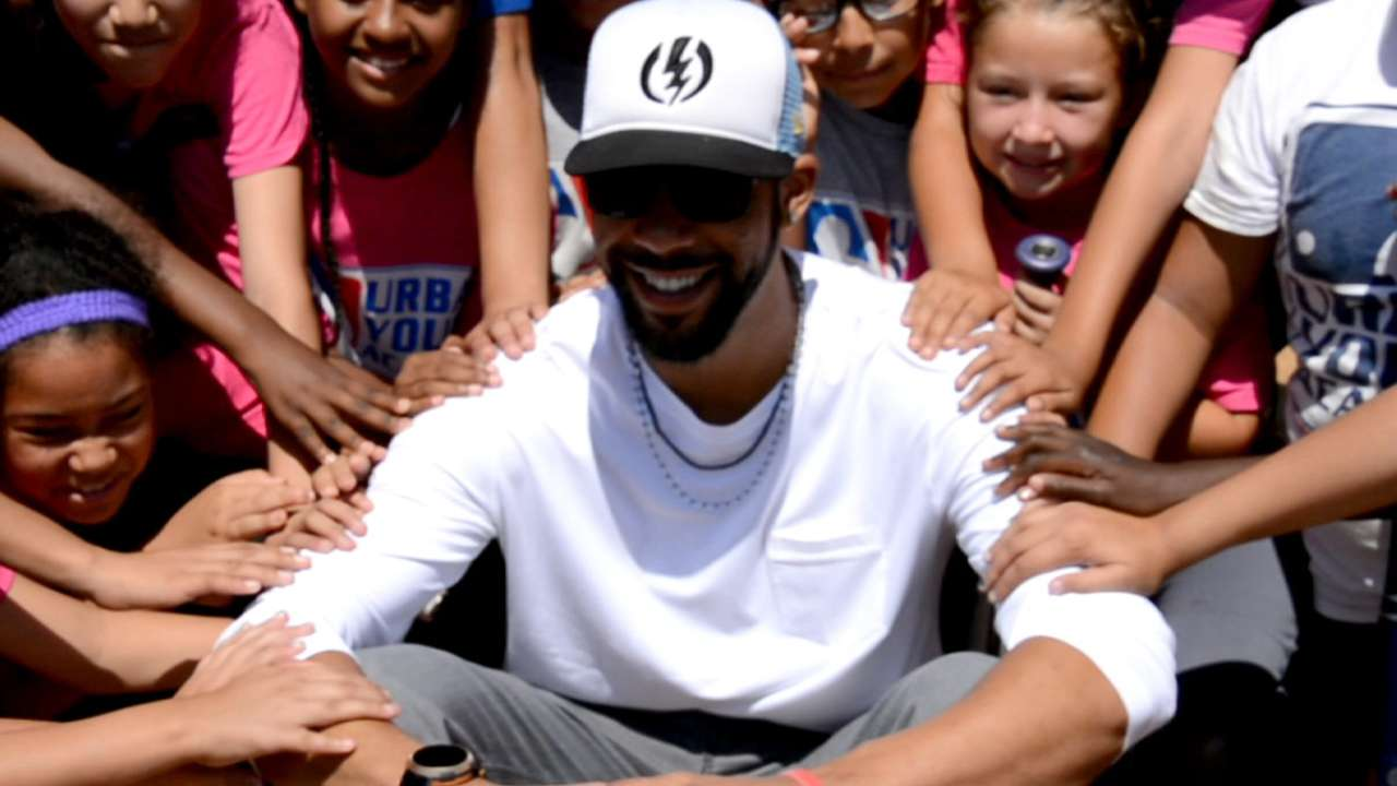 Price impressed by MLB's Urban Youth Academy