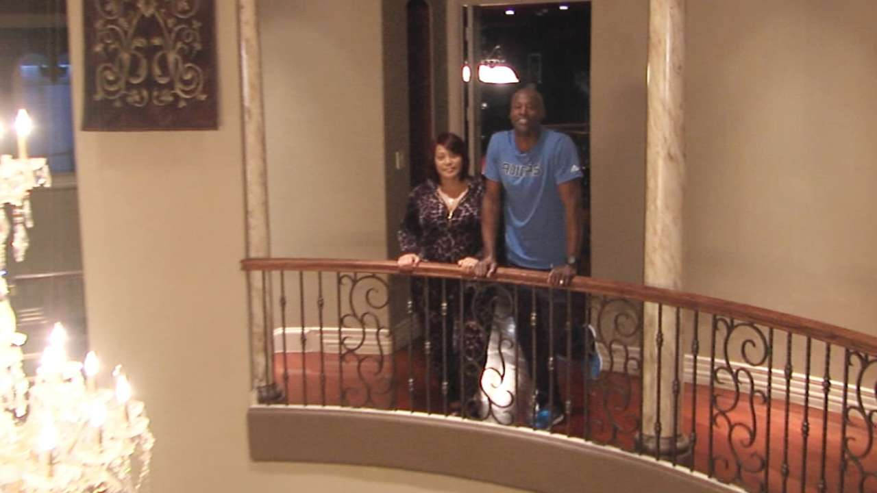 Rockies Closer Latroy Hawkins Family At Home In The Heart
