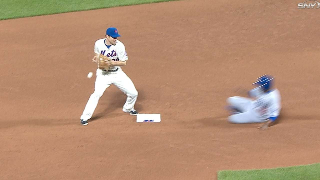 Mets lose challenge after Murphy drops ball