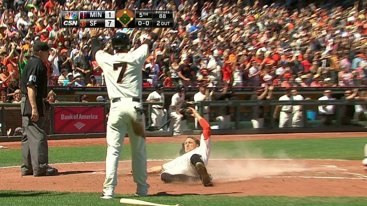 Morse leads offensive outburst as Giants sweep Twins