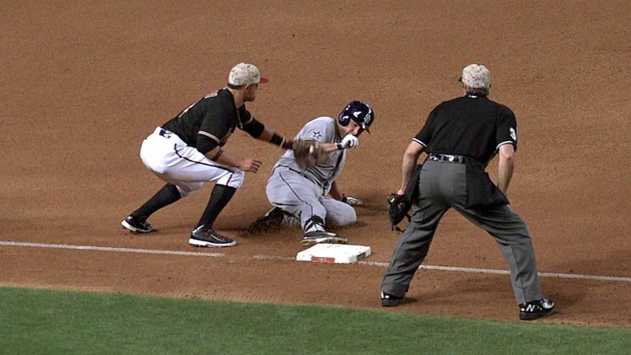 Padres, D-backs lose challenges on tag plays