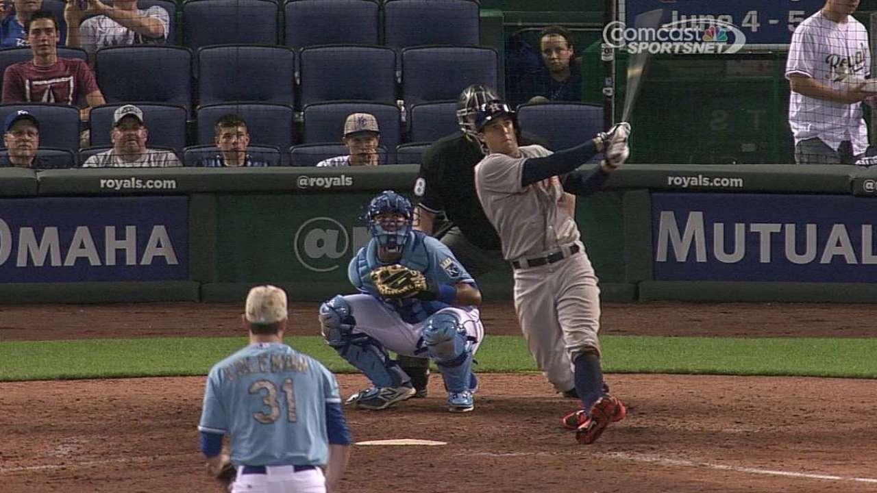 Astros doblegan a Reales en gran noche de Springer