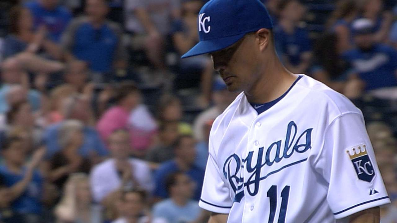 Royals' bats lack pop in Guthrie's solid start