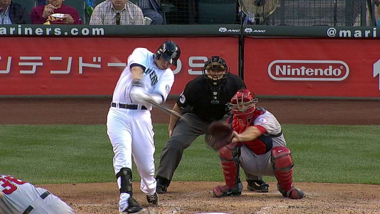Smoak recalled as Mariners place Saunders on DL